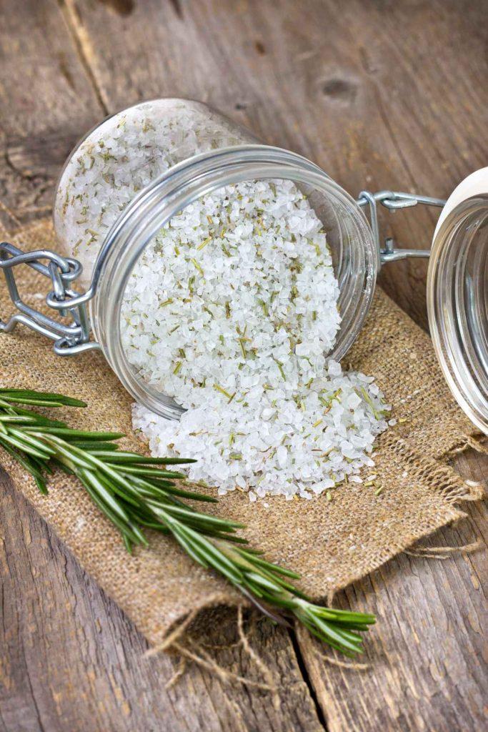 Geschenke aus dem Kräutergarten: Rosmarin-Salz