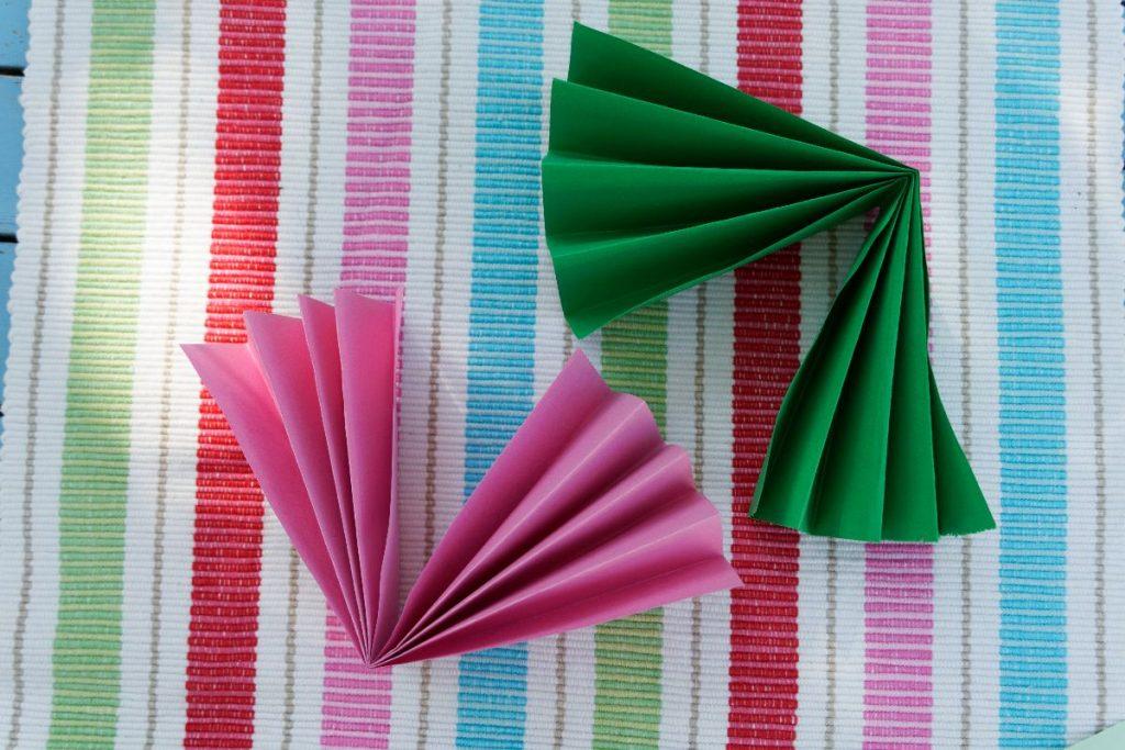 Papierblüten falten, Step 2