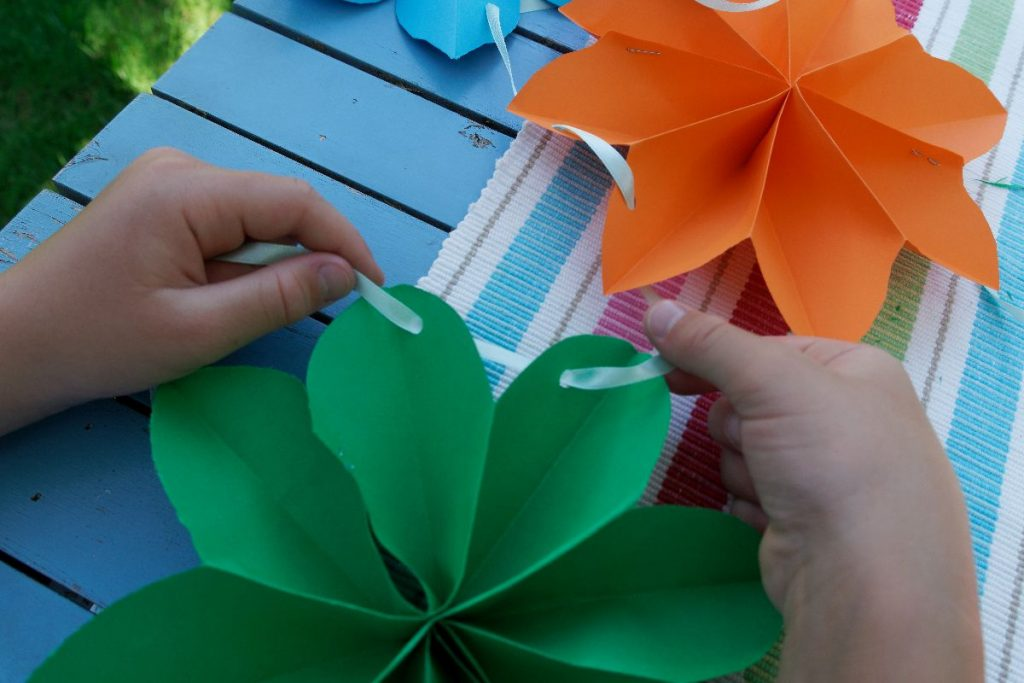 Papierblüten falten, Step 9